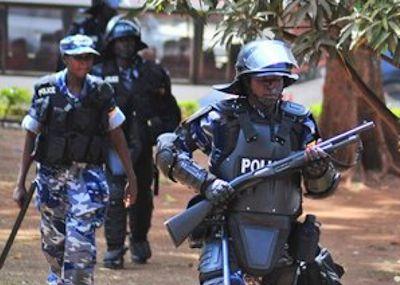 uganda-police-men