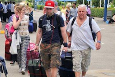 tourists-arrival